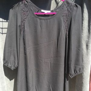 3/4 length sleeve blouse with crochet lace detail